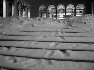 сняг отложи премиера в Метрополитън опера
