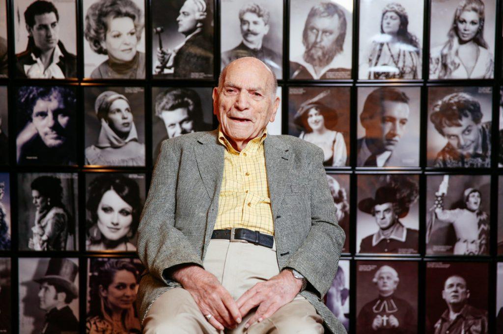 105-годишният Аарон Блекър