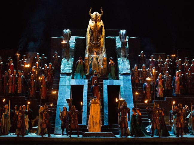 Набуко в Метрополитън опера